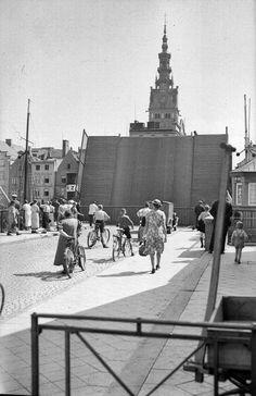 Faith In God, World War Ii, Touring, Poland, Sidewalk, History, City, Places, Nature