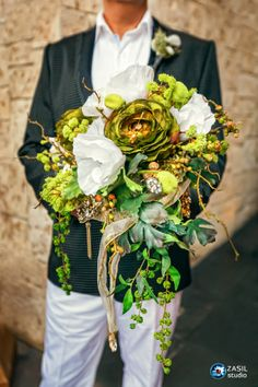 Vintage Wedding Bouquet made of golden brooches