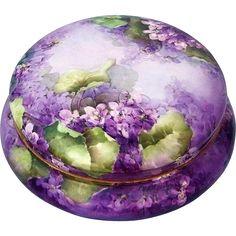"""Master Decorator Lavish & Large Limoges France 1900's Hand Painted Lifelike """"Violets"""" 8-1/2"""" Dresser Box Casket."""