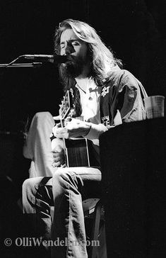 Daniel Grayling Fogelberg (August 1951 – December was an American musician, songwriter, composer, and multi-instrumentalist. Dans Fans, Guitar Posters, Classic Rock And Roll, Blues Artists, My Generation, Light My Fire, One Night Stands, My Muse, Video Photography