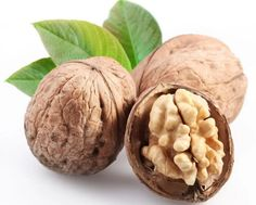 Awesome article on the Health Benefits of Walnuts - They also help curb sugar cravings! Get Healthy, Healthy Life, Healthy Snacks, Healthy Eating, Healthy Recipes, Healthy Choices, Health Benefits Of Walnuts, High Energy Foods, Green Tea Benefits