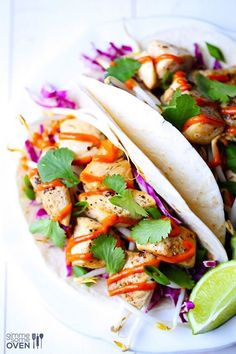 Thai Chicken Tacos Recipe -- simple to make, and packed with great Thai flavor! | gimmesomeoven.com