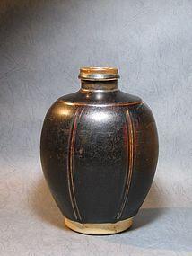 One Fantastic Jizhou Ribbed Jar of Song Dynasty, Roy Hu