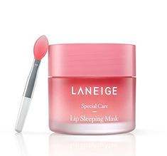 LANEIGE LIP SLEEPING MASK - Sometimes applying lip balm just isn't enough and no matter how much you apply your lips still stay dry and chapped. Enter the Laneige Lip Sleeping Mask, made with Moisture Wrap™, which forms a moisturizing protective fil. Korean Makeup, Korean Skincare, Korean Beauty, Korean Lips, K Beauty, Beauty Hacks, Beauty Trends, Beauty Makeup, Berry