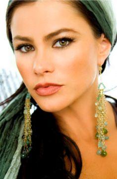 Ideas for wedding makeup latina sofia vergara Sofia Vergara, Beautiful Eyes, Gorgeous Women, Beautiful People, Beautiful Latina, Latin Women, Loose Hairstyles, Wedding Makeup, Close Up