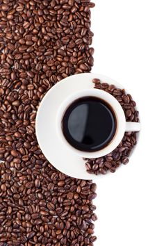 Do you drink too much coffee? Click the pin to learn what that means for your body and find out what amount of coffee isn't harmful to you. Too Much Coffee, I Love Coffee, Coffee Break, Art Of Coffee, Morning Coffee, Coffee Tasting, Coffee Cafe, Coffee Drinks, Chemex Coffee