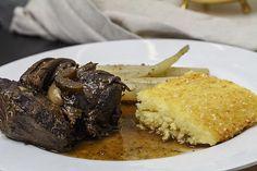 Rotwein-Lamm mit Schwarzwurzeln und römischen Gnocchi | Foodina