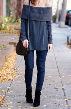 off the shoulder top with skinny jeans and black ankle boots