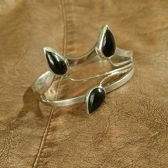 Stunning sterling silver & onyx bracelet! Hinged bangle.  Stamped Mexico .925 Jewelry Bracelets