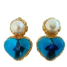 Preowned Vintage Signed Chanel 28 Gripoix Glass Heart Earrings ($1,200) ❤ liked on Polyvore featuring jewelry, earrings, blue, blue glass earrings, clip earrings, glass earrings, blue heart earrings and chanel earrings