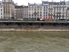 Walking along the left bank of Île de la Cite´ in Paris   thrifty chic LA | life + travel + style: Walking through Paris.