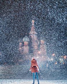 40.8 тыс. отметок «Нравится», 352 комментариев — Kristina Makeeva↟Kotleta↟Timon (@hobopeeba) в Instagram: «Snowstorm in Moscow, Russia, Red Square, model: @chashashuli // Самое красивое время в Москве - это…»