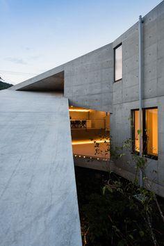 House in Hyogo by Shogo Aratani Architect & Associates #Architecture