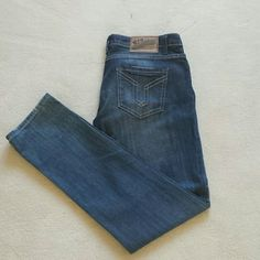FLASH SALE !Vigoss studio denim jeans Never worn NWOT denim jeans Vigoss Jeans Skinny
