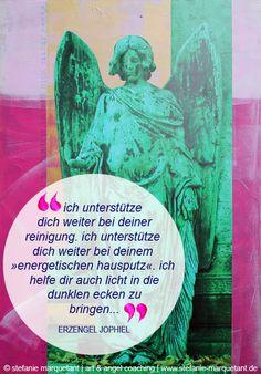 Das erste Päckchen ist geöffnet: Die Engelboschaft für Dezember von Erzengel Jophiel: »ich unterstütze dich weiter bei deiner reinigung. ich unterstütze dich weiter bei deinem »energetischen hausputz«. ich helfe dir auch licht in die dunklen ecken zu bringen und alles alte, das dir nicht mehr nützt, aufzulösen. lass es einfach geschehen. es ist so angelegt.« | www.stefanie-marquetant.de/2014/11/30/advent-kunst-kalender-verlosung/