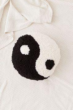Shaggy Yin-Yang Throw Cushion
