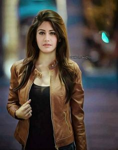 Most of the Indian girls are attractive. Their attitude, looks, outfits. Cute Girl Photo, Girl Photo Poses, Girl Photography Poses, Girl Photos, Female Photography, Fashion Photography, Stylish Girls Photos, Stylish Girl Pic, Fashion Models