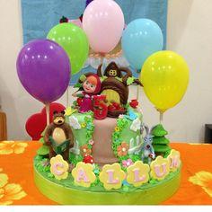 Resultado de imagen para masha and the bear birthday decorations Baby Birthday Cakes, Bear Birthday, 2nd Birthday Parties, Birthday Ideas, Marsha And The Bear, Bear Party, Birthday Decorations, Birthdays, Mishka