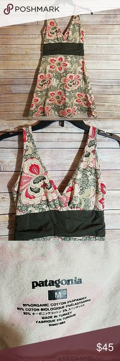 PATAGONIA Organic Cotton V Neck Summer Dress PATAGONIA Organic Cotton Floral V Neck Summer Dresd. Excellent condition! 95% organic cotton, 5% spandex.   Size M Patagonia Dresses