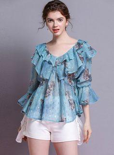 Stylish Print Flare Sleeve V-neck Slim Pullover Blouse Blouse Back Neck Designs, V Neck Blouse, Blouse Designs, Blouse Patterns, Cute Blouses, Blouses For Women, Street Hijab Fashion, Sleeves Designs For Dresses, Kids Tops