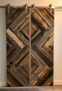 ideas small barn door in the house Interior Sliding Barn Doors, Sliding Doors, Small Barn Door Hardware, Sliding Door Hardware, Barn Door Closet, Rustic Closet, Barn Door Designs, Small Barns, Rustic Doors