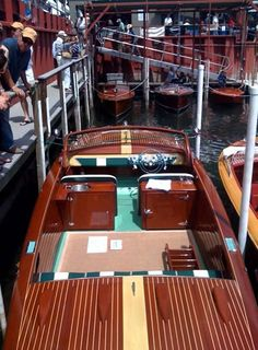 Lady Ben Classic Wooden Boats - Zoom Image