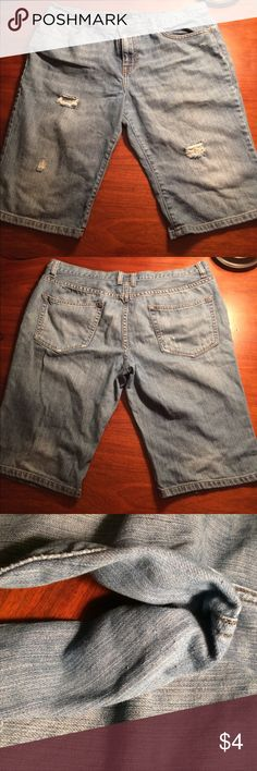 $4 Bundle Item ANA Boyfriend Bermuda Shorts Size 12. GUC. Minor defect as pictured... mild pilling in thigh area. Bundle items must be bundled with three or more items to receive bundle price. a.n.a Shorts Bermudas