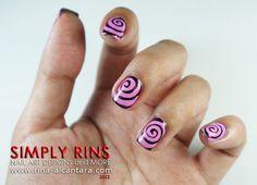 Nail Art: Swirls
