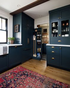 Modern And Trendy Kitchen Cabinets Ideas And Design Tips – Home Dcorz Home Decor Kitchen, Kitchen Furniture, Kitchen Interior, Home Kitchens, Kitchen Ideas, Pantry Ideas, Küchen Design, Layout Design, House Design