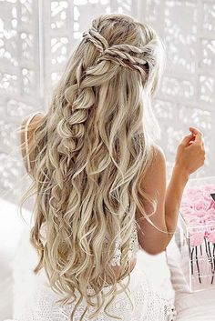 30 Hairstyles Ideas You Must Try in 2017 #weddinghairstyles