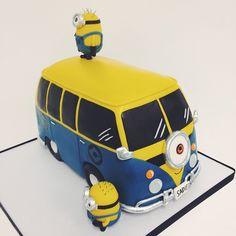 #kyongs_cakesncrafts | #minioncake mimoňský autobus :-)