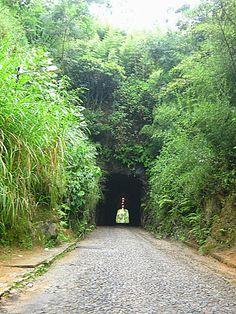 Túnel Que Chora: Quem bebe dessa água jamais se esquece e sempre volta a Conservatória.
