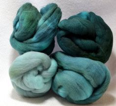 NEW Hand Dyed Gradient Fiber Set - American Targhee Combed Top in Teal Semi Solid 2 ounces - Play With Your Fiber! by yarnhollow on Etsy