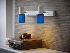 Hyvän, kohdemaisen valon antava 2-osainen seinävalaisin Orbit. Valaisimessa laadukkaat siniset lasikuvut, jotka suuntavat enemmän valoa kohdistettavaan paikkaan, mutta antavat myös kauniisti valoa läpi lasin.