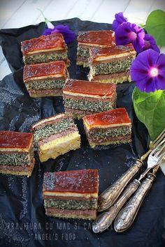 Angel's food: Prajitura cu mac si caramel Romanian Desserts, Sweets Recipes, Caramel, Sweet Treats, Fish, Cookies, Drinks, Backen, Salt Water Taffy