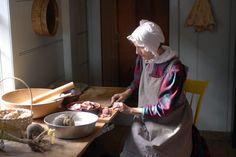 Anne E. Fisher of Sturbridge prepares a pork and apple pie on Thursday for Thanksgiving at Old Sturbridge Village | [via masslive]