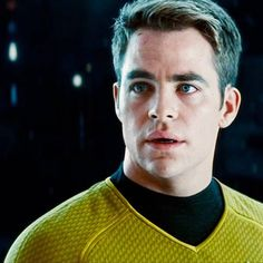 #HappyBirthday to Chris Pine! What gift would you give Captain Kirk on his birthday? #StarTrek #CaptainKirk