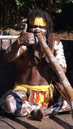 Aboriginal Australian playing the digeridoo at Circular Quay in Sydney - It is all about culture. Aboriginal History, Aboriginal Culture, Aboriginal People, Work In Australia, Sydney Australia, Australia Travel, We Are The World, People Around The World, Around The Worlds