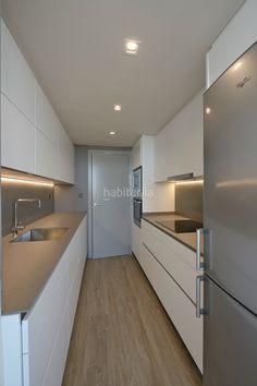 Cocina Galley Kitchen Design, Kitchen Room Design, Modern Kitchen Design, Home Decor Kitchen, Kitchen Interior, Best Home Interior Design, Open Plan Kitchen Living Room, Küchen Design, Kitchen Remodel