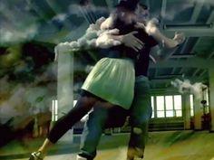 Zapraszamy na nowy kurs Kizomby od podstaw! Zajęcia prowadzi Eryk Pękalak - na zajęciach nauczycie się tego niezwykle zmysłowego tańca z Angoli doprawionego do smaku elementami prowadzeń z tanga argentyńskiego - Kizomba Nueva! Poniedziałki 19:05 już od 28. września!
