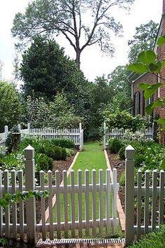 Hints of an English cottage garden | vegetable garden