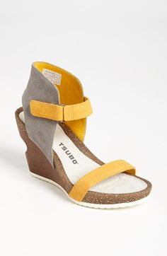 Loving these fun new wedges from @Yosuke Tsubouchi for Spring and Summer! Love the yellow! Super comfortable!