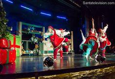 Tanzende Wichtel auf der Weihnachtseröffnung im SantaPark