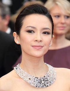 Zhang Ziyi wore a large diamond collar.  #Cannes2013