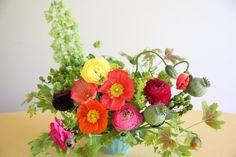 floral design, flower arrangement, ranunculus,poppy, geranium,
