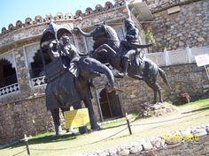 Rana pratap singh on his horse Chetak fighting Raja Man singh