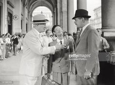 The actors Clark Gable and Vittorio De Sica in a scene of the film 'It Started in Naples' directed by Melville Shavelson Clark Gable plays Michael...