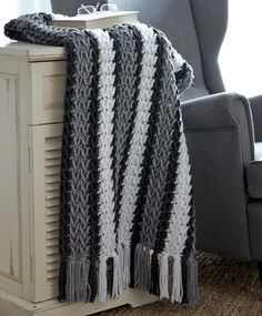 Arrowhead Striped Afghan in Caron United - Downloadable PDF. Discover more patterns by Caron at LoveKnitting. The world's largest range of knitting supplies - we stock patterns, yarn, needles and books from all of your favourite brands.