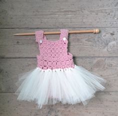 Baby Girl Crochet Romper Photo Props Ideas For 2019 Crochet Romper, Baby Girl Crochet, Lace Romper, Newborn Photo Outfits, Newborn Photo Props, Newborn Photos, Baby Tutu, Baby Girl Romper, New Baby Girls