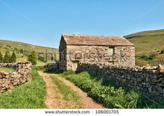 stock-photo-farm-track-leading-past-an-old-barn-and-dry-stone-wall-in-the-yorkshire-dales-england-106001705.jpg (450×320)